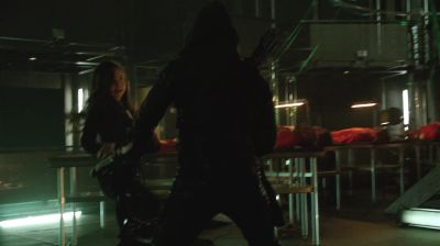 Summer Glau's stunt double performing han-to-hand combat in Arrow 2x19 The Man Under The Hood