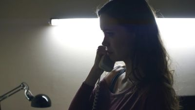 Summer Glau as Anna in Sequestered 1x05 'What's In The Box?