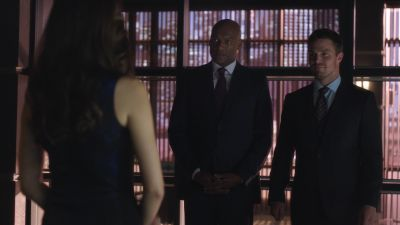 Summer Glau, Colin Salmon and Stephen Amell in Arrow 2.01 'City of Heroes'