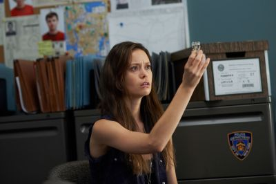 Summer Glau as Skylar Adams in Alphas 2.13 God's Eye.