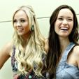 Summer Glauand Laura Vandervoort at Dallas Comic Con