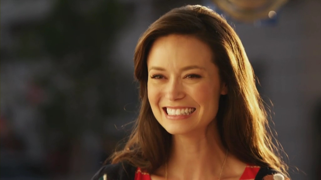 Summer Glau help for the holidays