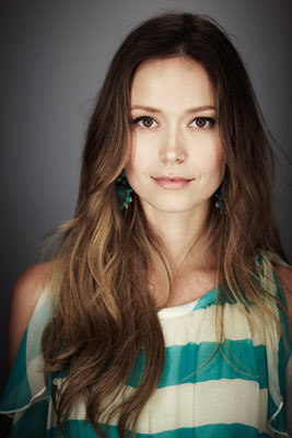 EW Star Portrait for The Cape - Summer Glau