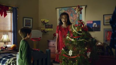 Summer Glau in Help for the Holidays - Funny scene