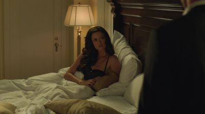 Summer Glau in a nightgown in Arrow
