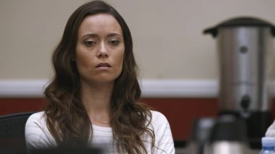 In 'Folding Laundry', Summer Glau is forced to choose between her beliefs and the safety of her family while deliberating the fate of a potentially innocent man