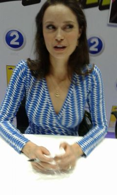 A photo I took of Summer Glau when I met her at MEFCC. she's so lovely and so beautiful