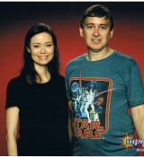 Summer Glau posing with fans at Supanova Expo Brisbane